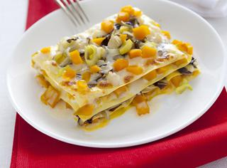 Lasagne con zucca gialla e verdure invernali