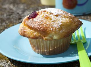 Muffin con mele e lamponi