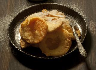 Frittelle con salsa vaniglia