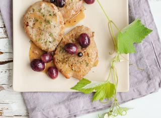 Ricetta: scaloppine all'uva e rosmarino