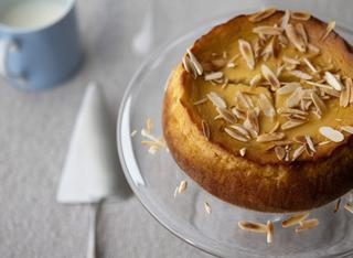 La cheesecake alle mandorle e miele