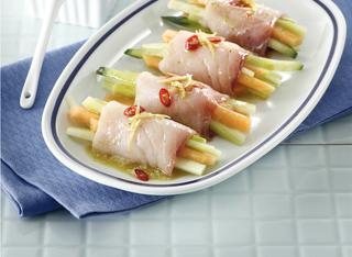 Involtini di pesce spada, melone e cetriolo
