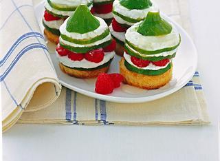 Bruschette dolci con panna e lamponi