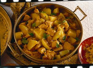 Pollo al curry con patate