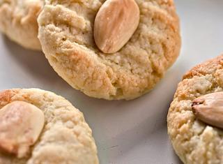 Biscotti di pasta alle mandorle