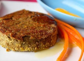 Hamburger di lenticchie in salsa gialla