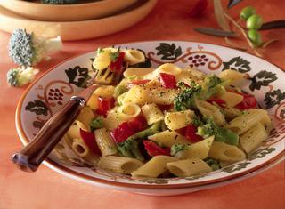 Pasta con broccoli e peperoni