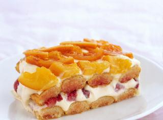 Tiramisù di fragole e arance