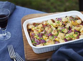 Ricetta: teglia di patate alla pancetta e cipolla