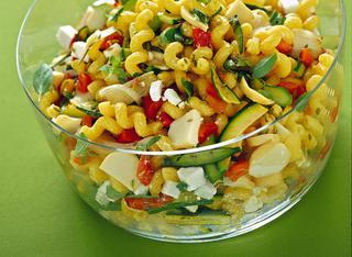 Cellentani con formaggi e verdure grigliate