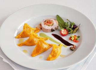 Ricetta: fagottini alla faraona con salsa di pistacchi