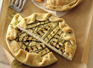 Torta salata aperta con ricotta e zucchine