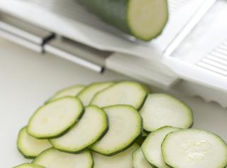 Pulire le zucchine