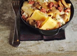 Paccheri al forno con salsiccia e gorgonzola