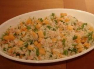 Come preparare l'insalata di melone, gamberi e rucola