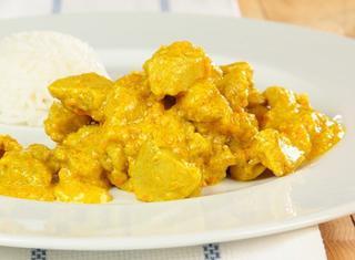 Pollo al curry con yogurt e limone