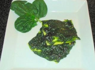Fazzoletti di pasta fresca, ricotta, spinaci e pecorino