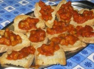 Come preparare dei crostini ai totani
