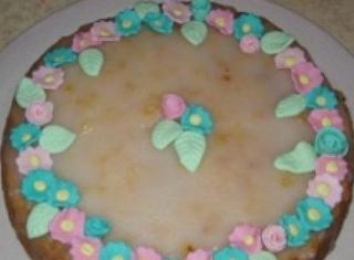 Come realizzare una torta al limone con la glassa