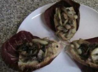 Crostoni con radicchio e pancetta