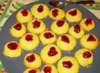 Biscotti al burro con marmellata