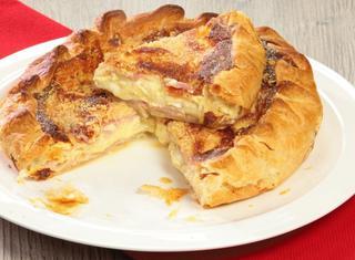 Torta salata cotto e formaggio