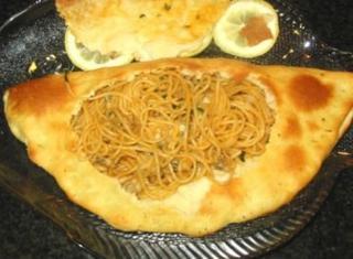 Calzone di spaghetti alle vongole