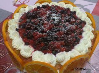 Tiramisù al profumo di arancia con frutti di bosco