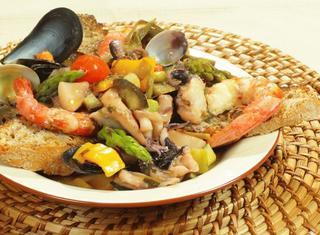 Zuppa di pesce alla verdure