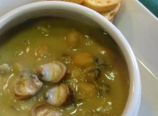 Zuppa di ceci e lumachine di mare al profumo di rosmarino