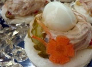 Nido con uovo di quaglia