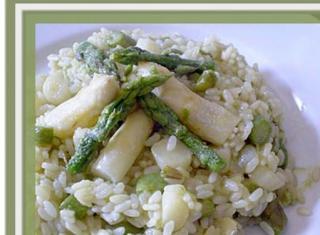Risotto con asparagi verdi e bianchi