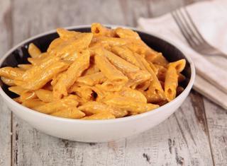 Pasta con crema di peperoni