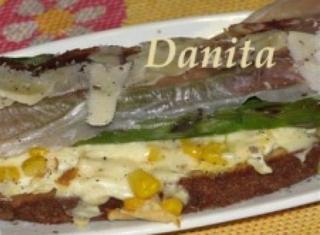 Crostone agli asparagi: in una bruschetta una cena completa