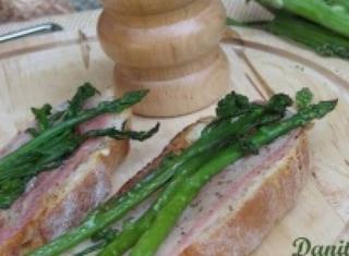Crostino di lardo di Colonnata e asparagi