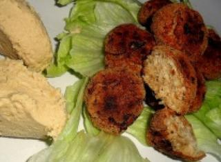Crocchette di pollo e hummus