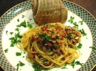 Spaghetti al sugo di telline