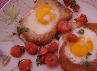Come preparare le uova nel pane