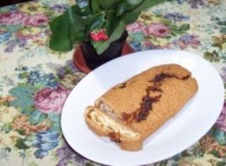 Rotolo di pasta frolla farcito con marmellata di albicocche