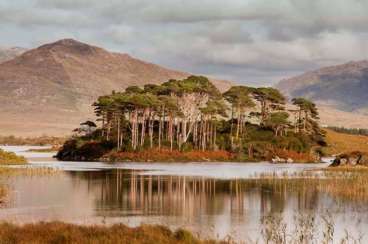 lderryclare lough connemara