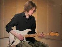 Born, soittoesimerkki (kitara)