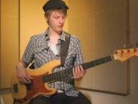 Sly, soittoesimerkki (basso)