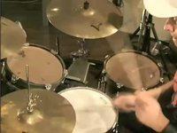 Samba 1 -biisi, soittoesimerkki (rummut).