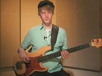 Brown, soittoesimerkki (basso)