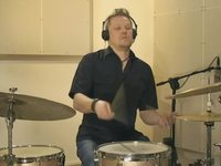 Rhythm Changes (medium) -biisi, soittoesimerkki (rummut)