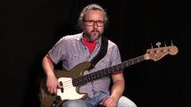 Pop-rock-komppikurssi, äänenkuljetusta esimerkkikappaleen bassolinjassa