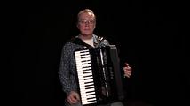 Suomalainen valssi, osa 4, solistina