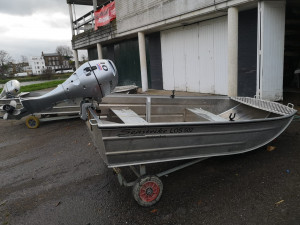 For sale: Sea strike launch with Honda out board