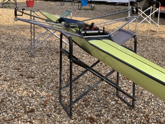 Lightweight single scull