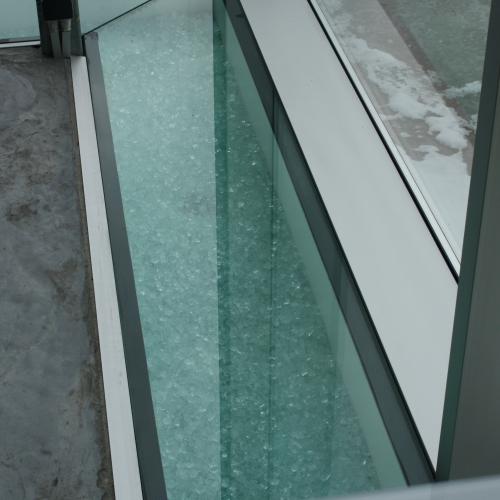 Vloerdallen in klaar glas
